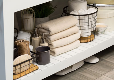 bathroom-shelf-organization