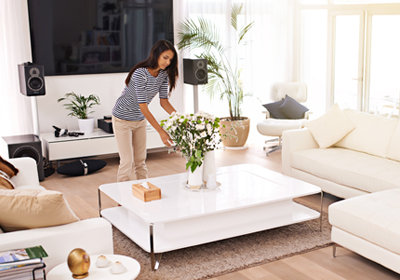 woman-staging-living-room