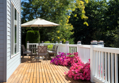deck with pink flowers