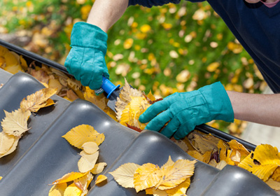 home-gutter-cleaning