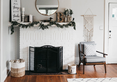 mantle-decor-macrame