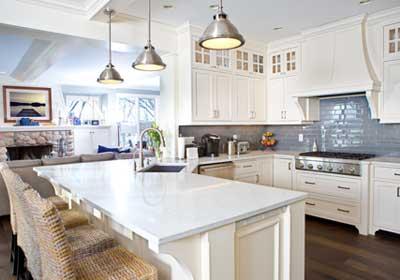 white-kitchen-blue-tile